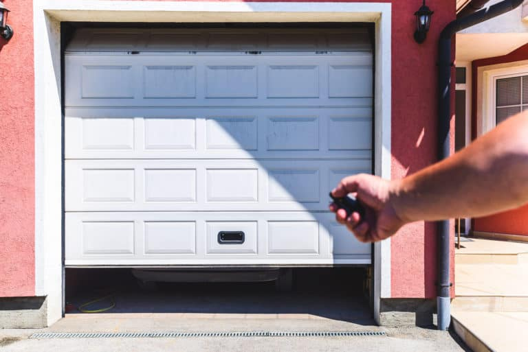 9 Reasons To Replace Your Garage Doors
